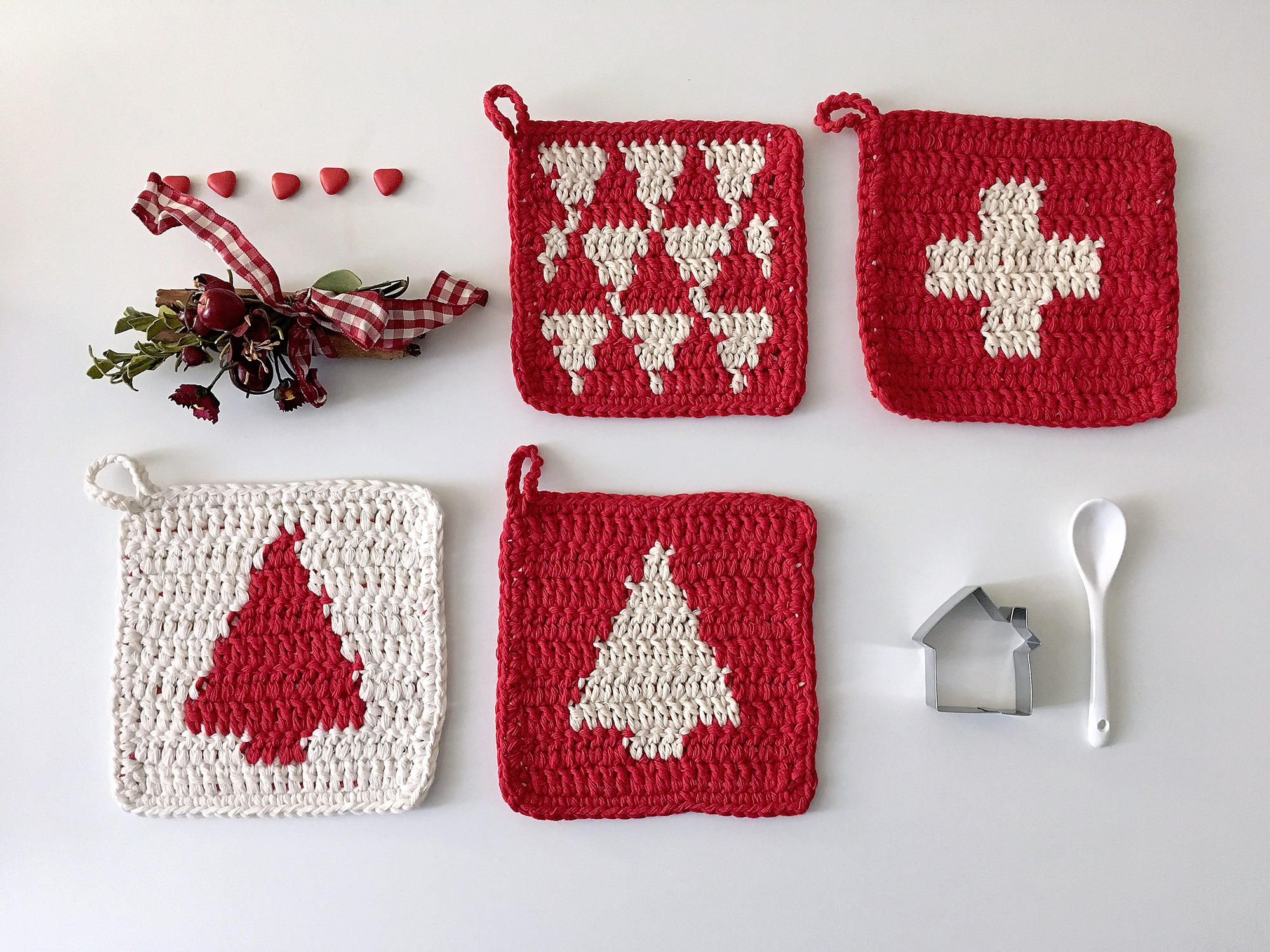 Bettaknit: Christmas crochet pot holders in cotton